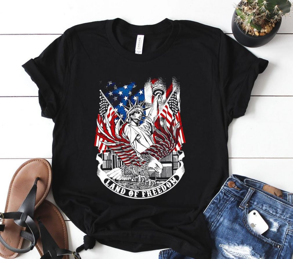 Statue of Liberty land of freedom American flag Shirt