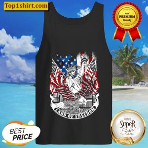 Statue of Liberty land of freedom American flag Tank Top
